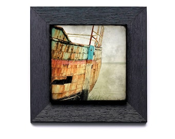 Shipwreck 05 - on small frame 22 x 22 cm with a photo collage