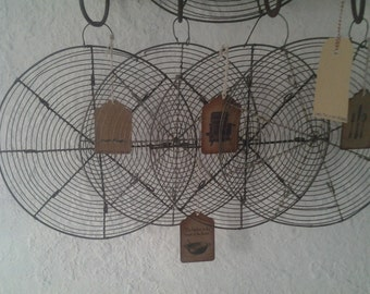 French vintage Cooling Rack...1 Iron Wire Cake Rack...Iron cake rack...Brocante...Country Kitchen...French bakery...Shabby Chic...Fil de Fer