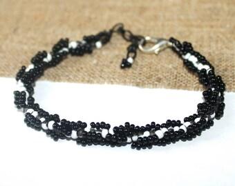 Black and white bracelet Bead bracelet Bracelet from beads Seed bead bracelet Beaded bangle Black white bracelet Sister Gift Girlfriend gift