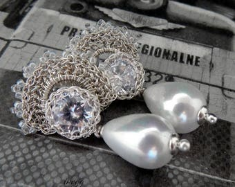 White pearl bridal retro dangle earrings, rhinestone wedding crocheted jewelry, original wedding earrings, unique pearl bridal jewelry