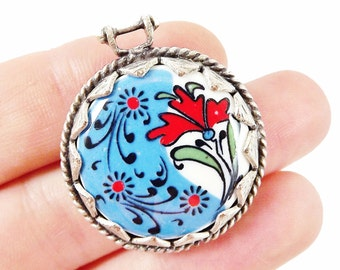 Hand painted Turkish Cini Red Carnation Ceramic Pendant - Round No:2 - Matte silver plated 1pc