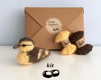 Duckling Crochet Kit / Crochet Duckling DIY Kit Craft Kit Amigurumi Kit Bird Chick Ornament Decoration Pattern / Easter Gift for Crocheter