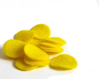 """30 pcs, 1.5"""" Yellow Felt Circles for Fascinator, Hair Clip, Brooch backs, appliques"""
