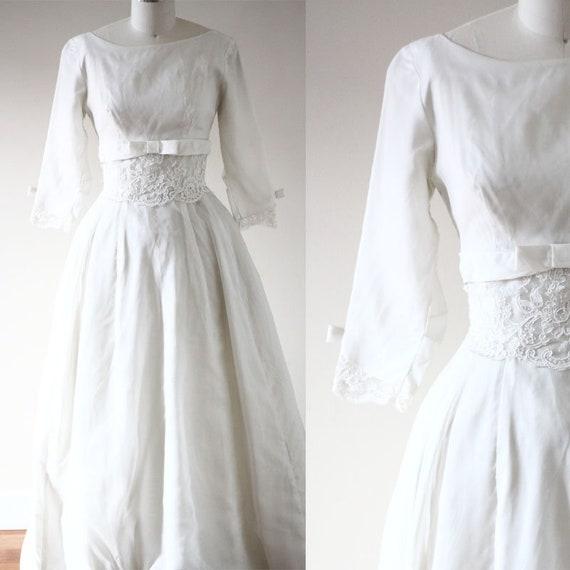 1960s classic wedding dress  // 1960s wedding dress // vintage bridal dress
