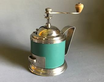 vintage coffee grinder / retro coffee grinder