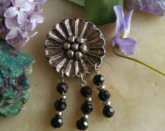 Vintage daisy brooch pin silver tone