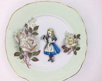 Alice in Wonderland Drink Me Display 3D Square Green Display Plate White Rose Sculpture for Wall Decor Birthday Wedding Anniversary Gift