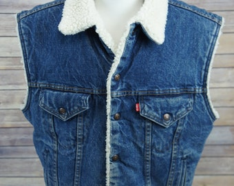 "Vintage circa 1970's/80's  LEVIS Sherpa Lined Denim ""Trucker's-Style"" Vest Large USA"