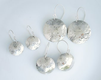 Gehämmert Silver Circle Ohrhänger Ohrringe - Drähte Sterling Silber Ohrring - handgefertigt
