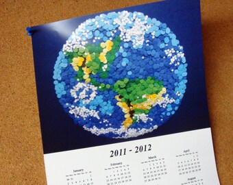 "2018 - 2019    16-Month Wall Calendar 11""x17"" Poster - DDOTS Planet Earth"