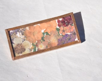Beautiful Vintage glass dried  flowers Brooch-pin-flowers-springtime