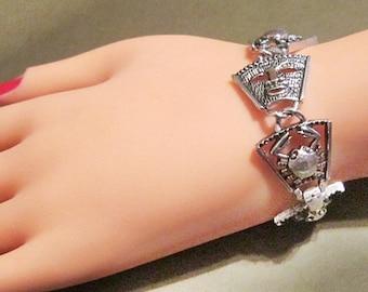 Vintage Egyptian Style Silver Bracelet
