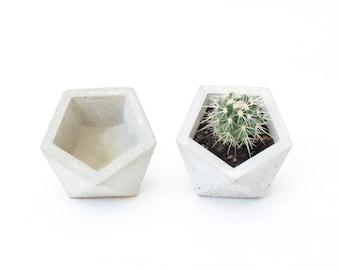 Concrete flowerpot planter cork ICOSAHEDRON