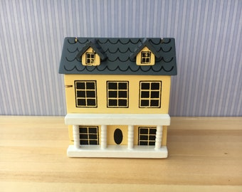1:12 Scale Dolls House Yellow Miniature Mini House