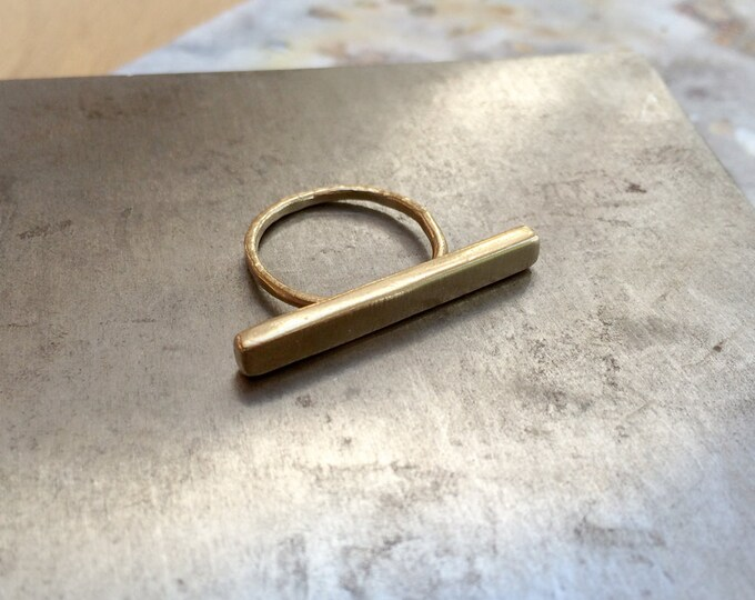 Horizontal Bar Ring in Brass