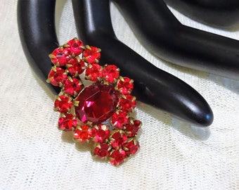 Pretty Petite Vintage Red Rhinestone Pin