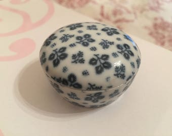 Little white and blue porcelain jewelry box
