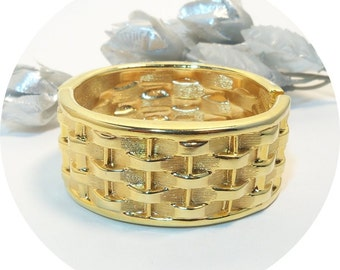 Vintage Bracelet, Cuff Bracelet, Goldtone Bracelet, Basket Weave Bracelet, Hinged Bracelet, Gold Bracelet, Wide Bracelet, Wide Bangle