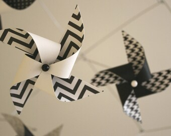 Black and White Mobile / Crib Mobile / Baby Mobile / Nursery Mobile / Pinwheel Mobile / Custom Mobile