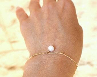 Small Pearl Bracelet - Tiny Oval Pearl Bracelet  -  Layering Bracelet, Dainty Bracelet, Simple Bracelet, Minimal Jewelry