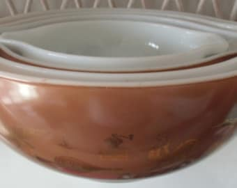 Set of 4 Vintage Pyrex Early American Heritage Cinderella Nesting Mixing Bowls EUC
