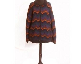 Vintage 1980s Zig Zag Fuzzy Oversized Button up Cardigan Sweater size M