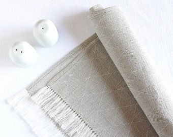 Linen table runner - Easter table decorations - Scandinavian style modern - fringes - Christmas table setting  - chemin de table lin | 0053