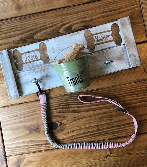 Leash Holder, Dog Leash Hook, Country Leash Holder, Wood Dog Sign, Pet Sign, Personalized Pet Sign, Dog Lover Gift, Farmhouse Sign, Dog Gift