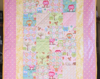 Owl quilt for baby girl or toddler, handmade baby quilt, flannel backing, Spring or Summer Girl Quilt, Patchwork quilt