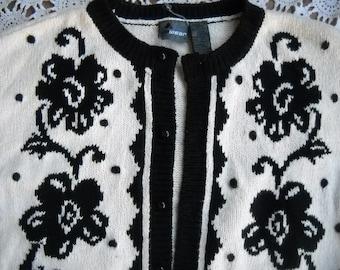 Black and White design cardigan sweater by Liz Claiborne, Size Medium, 57% Ramie and 37 Cotton Gorgeous floral design