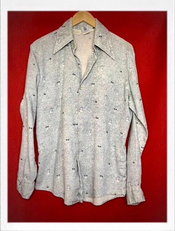 "Vintage Rare Men's Kennington Mickey Mouse Shirt 19"" width 28"" length"