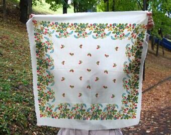 Russian shawl Folk shawl  Berry shawl White floral shawl Vintage Shawl Boho Wedding Shawl Floral Traditional Russian Shawl Folk USSR