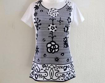 "1960s ""Rhoda"" Black and White Pinwheel Printed Knit Top"