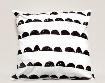Half Moon pillow cover, Geometric Pillow Case, Kids Pillows Case, Black and White Pillow Case01