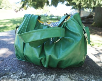 Pomegranate Leather Bag in Gorgeous Green - NEW