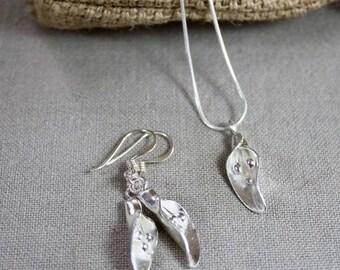 Jewelry Set, Calla Lily Pendant & Earrings, silver jewellery, silver jewelry, unusual earrings, silver Necklace, Silver Earrings,