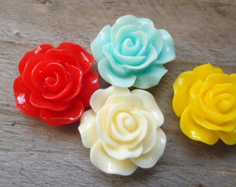 Set of red yellow resin rose ecru turquoise 15mm to stick