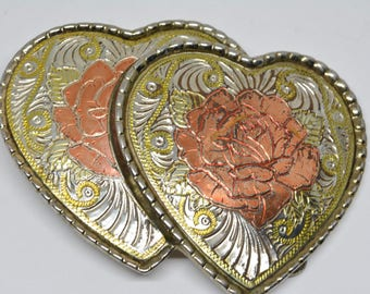 Lovely silver tone western belt buckle