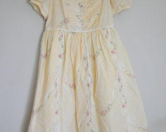 handmade vintage girls yellow summer dress lace collar size 8