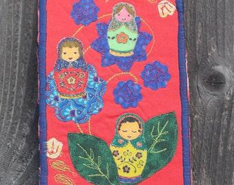 Matrioshki (Russian Nesting Dolls) Fabric Postcard (OOK)