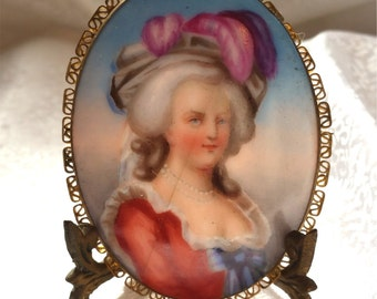 Marie Antionette Porcelain Limoges Cameo Portrait Brooch Pin Miniature French Pink & Blue Anklet