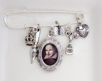William Shakespeare Brooch- Hamlet Jewellery- Hamlet Brooch- Shakespeare Jewellery- Literary Gift- Book Lover Gift- Reader Gift for Her
