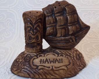 Vintage Treasure Craft of Hawaii Tiki and Ship Salt and Pepper Shaker Set Never Used