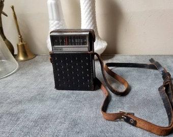 Vintage Elgin Transistor Radio    Travel Case    UNTESTED