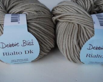 2 skeins Debbie Bliss Rialto DK merino wool