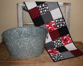 Christmas stocking quilted table topper