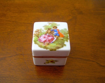 Vintage Limoges Trinket Box,  Fragonard Courting Couple, Procelain Limoges Trinket Box, Limoges Trinket Box