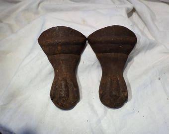 Clawfoot Bathtub Feet, Antique Tub Feet, Set of 2, Vintage Metal Legs