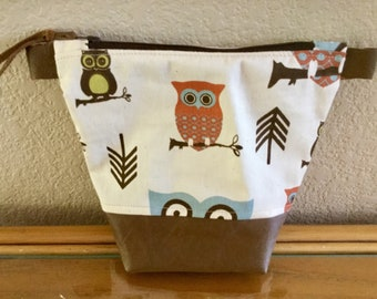 Owl and Leather Zippered Purse Makeup Bag, | Cotton Fabric, Zippered Closure,  Beige Background, Brown Leather