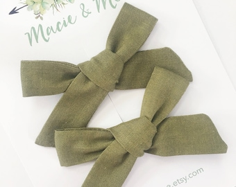 Olive Pigtail Bows / Girls Hair Bows / Alligator Clip / No Slip Grip / Macie and Me / Pigtail Bows / Hand Tied